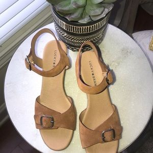 Lucky brand size 9 tan wedge sandal
